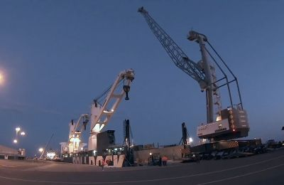 Arrival and roll-off LHM 420 Liebherr Mobile Harbor Crane to DP World Limassol