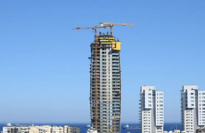 Time-lapse v ideo shows luxury building races to the top overlooking Limassol's seafront