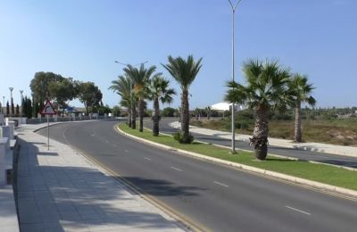 Larnaca young man on life support dies one day after car crash that remained unseen for hours