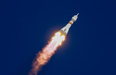 Soyuz rocket launch fails mid air (video)