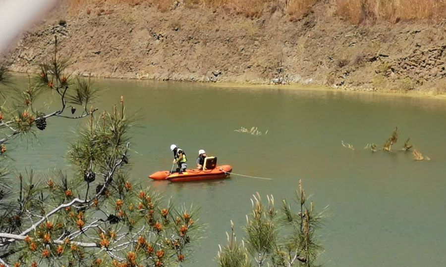 Sonar back and forth in search for victims, KNEWS