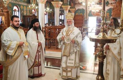 The Holy Synod called on the public to abide by the rules laid down by the state and the health services